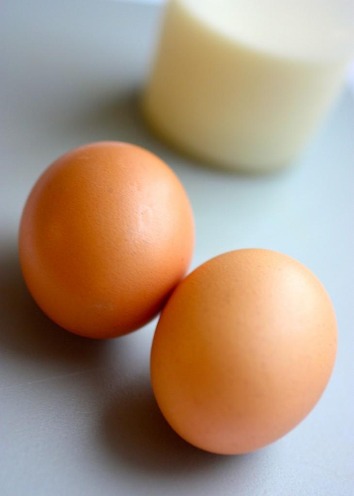 Zutaten für Bobotie: Eier und Milch